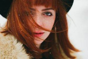 woman red hair hat 1280x853